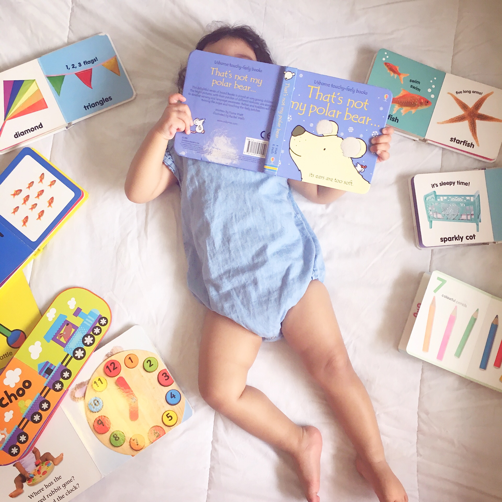 How to introduce books to a baby