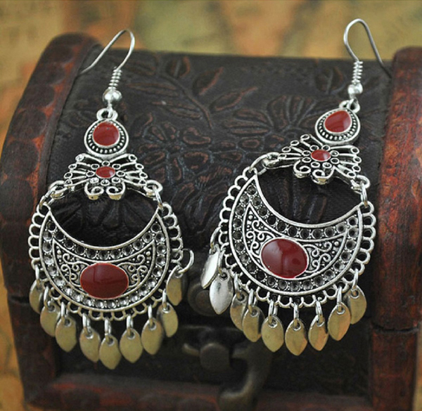 4 Must-Have Earrings to Spice Up Your Ethnic Style